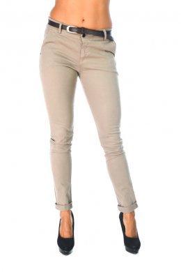 Μπεζ υφασματινο παντελονι, με καφε ζωνακι στη μεση και τσεπακια