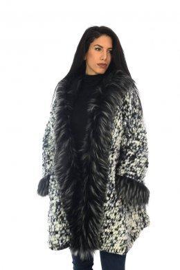 Oversized παλτό με γούνινες λεπτομέρειες και κουκούλα