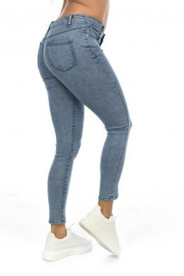 Skinny τζιν παντελόνι σε ανοιχτό μπλε, με τσεπάκια μπροστά και πίσω