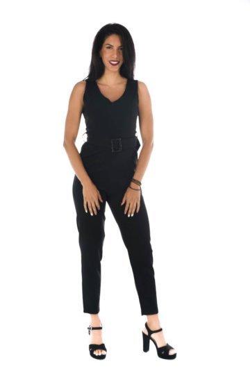 Μαύρη ολόσωμη φόρμα κρεπ αμάνικη, με ζωνάκι με λεπτομέρεια