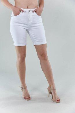 Λευκό υφασμάτινο παντελόνι βερμούδα, με κούμπωμα και τσεπάκια